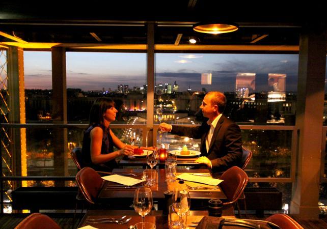 Restaurant Sur La Tour Eiffel Tarif