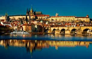 Guided Tour of Prague Castle: St. Vitus Cathedral and Golden Lane– Café pause included