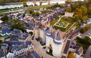 Private Helicopter Flight of Châteaux de Langeais, Villandry and Luynes