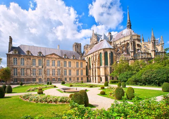 Tour privé de Reims à pied - 2h - Reims - Ceetiz