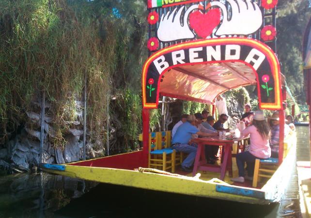 bootsfahrt in xochimilco schwimmende g rten von xochimilco ceetiz. Black Bedroom Furniture Sets. Home Design Ideas