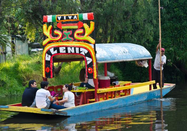 Crucero en xochimilco jardines flotantes de xochimilco for Jardin xochimilco