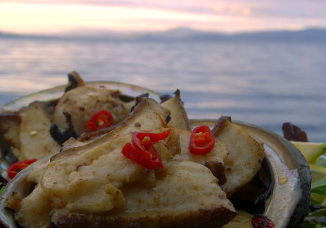 Croisière VIP en petit groupe autour de l'île Bruny : pêche et dégustation de produits de la mer – Au départ de Hobart image 7