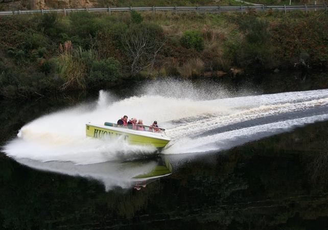 Tour en speedboat sur le fleuve Huon en Tasmanie image 1