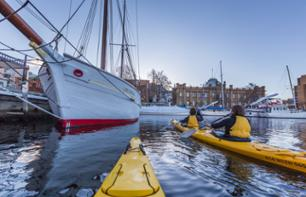 Discover Hobart on a Guided Kayak Tour – Lunch included