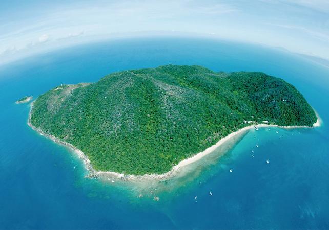 Tour en kayak & plongée avec masque et tuba à Fitzroy Island sur la Grande Barrière de Corail – Au départ de Cairns image 2
