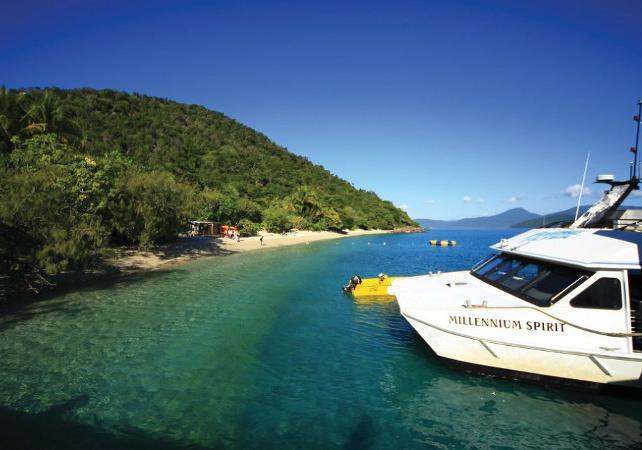 Tour en kayak & plongée avec masque et tuba à Fitzroy Island sur la Grande Barrière de Corail – Au départ de Cairns image 3