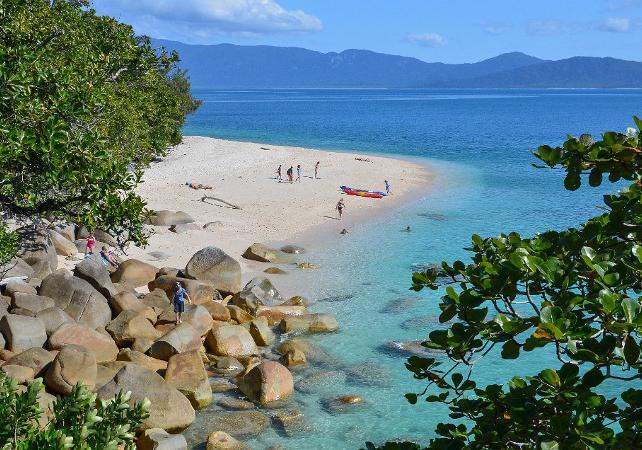 Tour en kayak & plongée avec masque et tuba à Fitzroy Island sur la Grande Barrière de Corail – Au départ de Cairns image 4