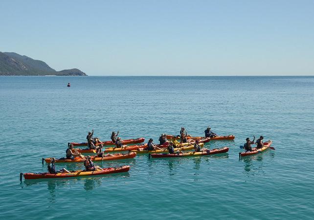Tour en kayak & plongée avec masque et tuba à Fitzroy Island sur la Grande Barrière de Corail – Au départ de Cairns image 6