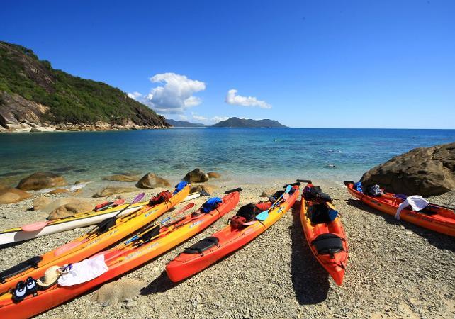 Tour en kayak & plongée avec masque et tuba à Fitzroy Island sur la Grande Barrière de Corail – Au départ de Cairns image 7