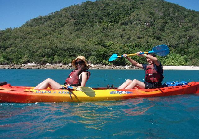Tour en kayak & plongée avec masque et tuba à Fitzroy Island sur la Grande Barrière de Corail – Au départ de Cairns image 9