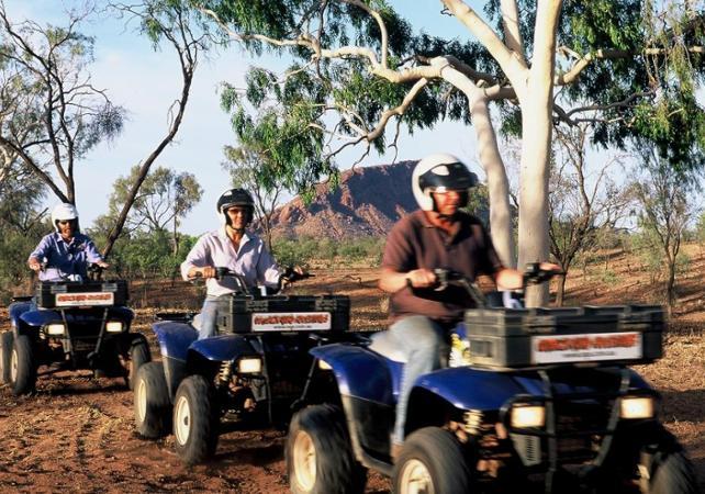 Balade en quad dans le désert - Au départ d'Alice Springs image 2