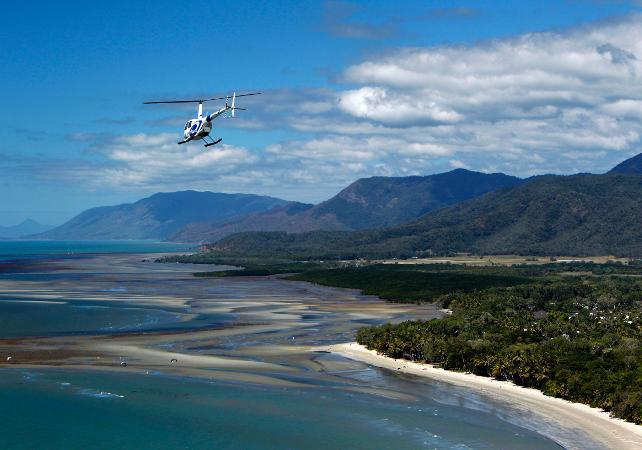Survol en hélicoptère de la forêt tropicale et de la Grande Barrière de Corail – Au départ de Cairns image 3