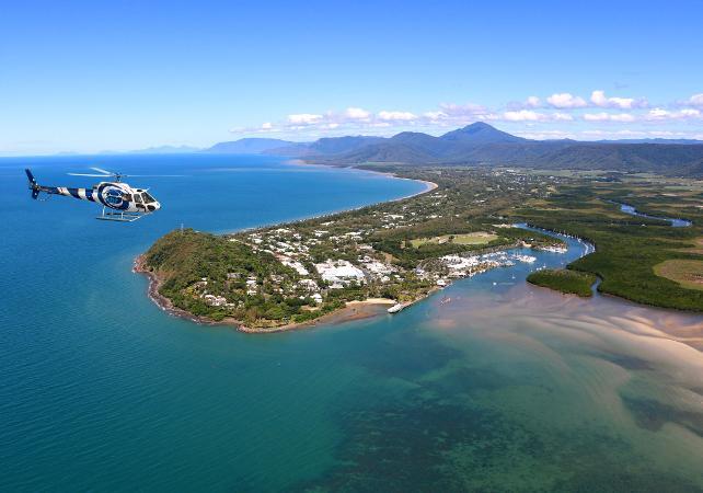 Survol en hélicoptère de la forêt tropicale et de la Grande Barrière de Corail – Au départ de Cairns image 4
