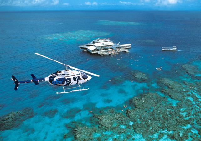 Survol en hélicoptère de la forêt tropicale et de la Grande Barrière de Corail – Au départ de Cairns image 1