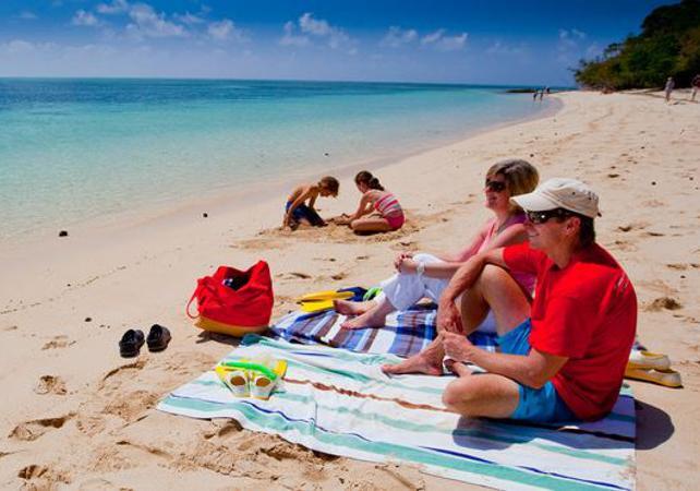 Croisière d'une journée à Green Island sur la Grande Barrière de Corail & tour en semi sous-marin – Au départ Cairns image 4