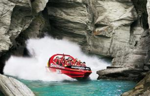 Extreme speed boat cruise - Speed and adrenaline as you rush through a canyon