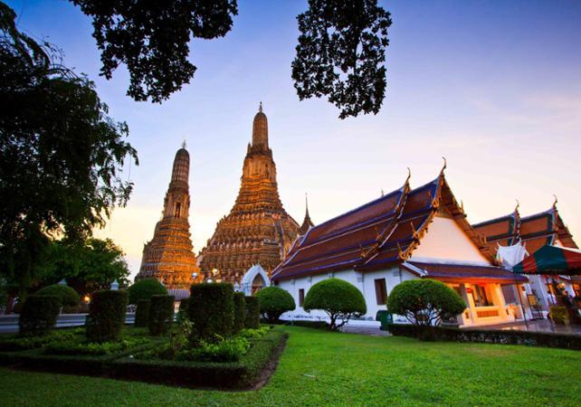Photo Découverte de Bangkok en bateau à queue longue  et visite guidée du temple Wat Arun