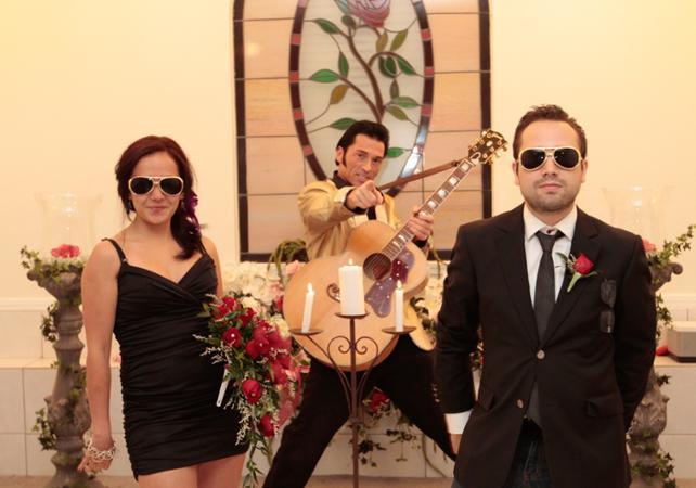 mariage fun las vegas en compagnie delvis - Renouvellement Voeux Mariage Las Vegas