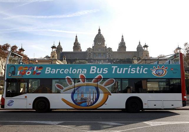 visiter barcelone en bus pass visite barcelone bus ceetiz. Black Bedroom Furniture Sets. Home Design Ideas