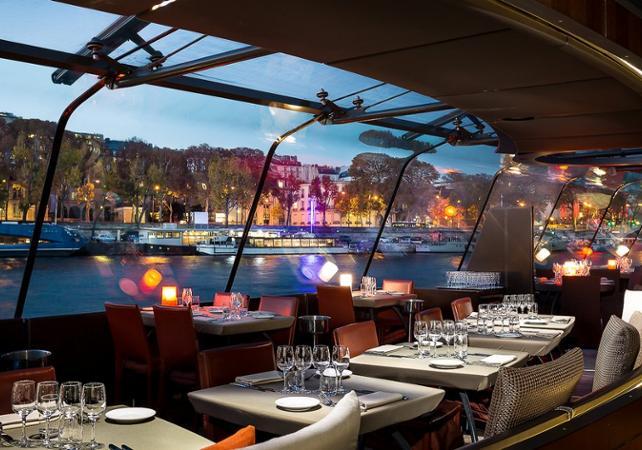 Bootsfahrt Mit Abendessen Abendessen Auf Der Seine Ceetiz
