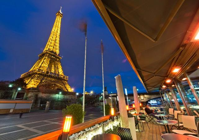 Bateaux Parisiens Seine River Cruise Dinner At The 39 Bistro Parisie
