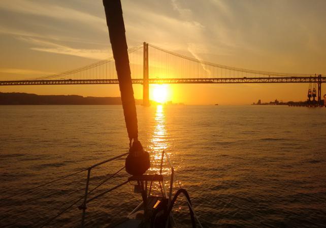 Croisière en voilier au coucher du soleil à Lisbonne - Lisbonne -