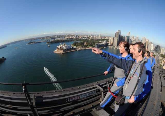 Montée jusqu'au sommet du pont de Sydney - De jour comme de nuit image 5
