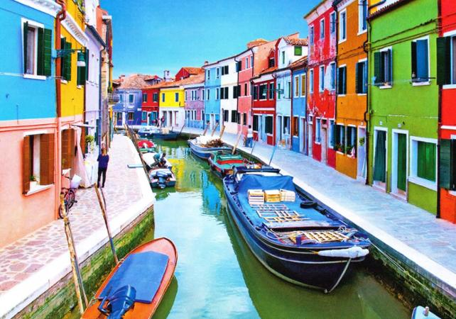 Murano: Guided excursion through the Murano and Burano islands ...