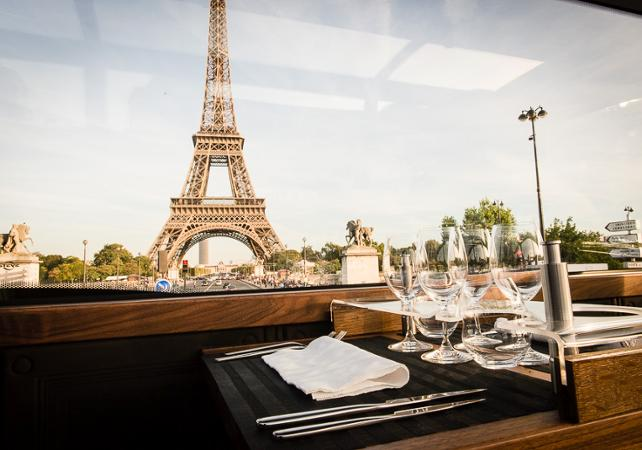 Déjeuner à bord d'un bus à impérial : Le Bustronome - Paris - Ceetiz