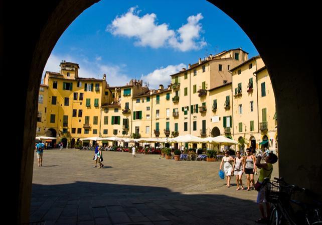 Excursion en mini van depuis votre hôtel de Florence : Pise, Lucca et Viareggio - Florence -