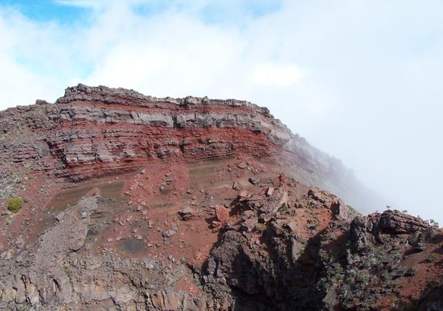 Randonnée et découverte du cratère Fornica Leo à La Réunion - La Réunion et ses sites touristiques -