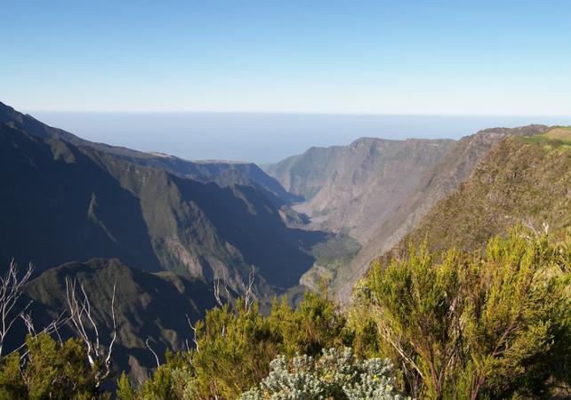 Ascension du volcan le Piton de la Fournaise - La Réunion et ses sites touristiques -