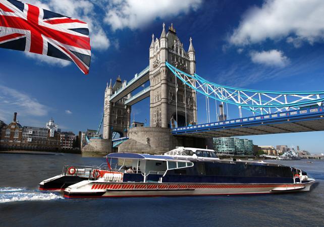 Картинки по запросу на кораблику по Темзі