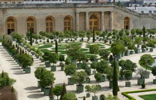 Guided Tour of the Palace of Versailles + Lunch in the Gardens + Visit to the Trianon Palaces – Skip-the-line tickets