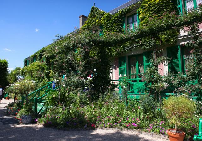 Visite de la maison du peintre Monet à Giverny et du château de Versailles - Coupe file - Paris -