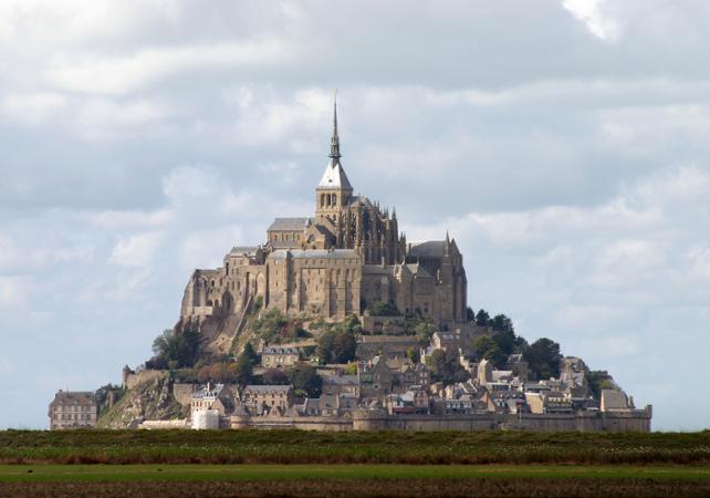 mont saint michel visit mont saint michel and its abbey departing from paris. Black Bedroom Furniture Sets. Home Design Ideas