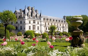 Guided Tour of the Châteaux of the Loire Valley (from Paris) – Hotel pick-up/drop-off