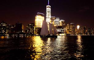 Crociera in barca a vela a New York di notte