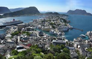 See Ålesund by Open-Top Bus: Hop-on, Hop-off Sightseeing Bus Tour