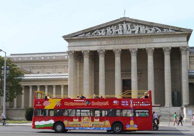 Pass transport 48h : visiter Budapest en bus et bateau à arrêts multiples - Budapest -
