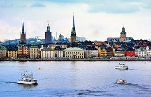 Hop-On Hop-Off Tour of Stockholm by Bus and Boat - 24 hour pass
