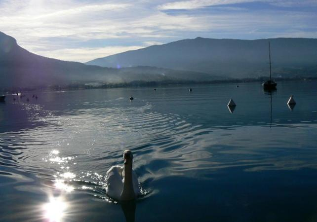 balades en 2 cv   tour du lac d u2019annecy en 2 cv  u2013 3h15