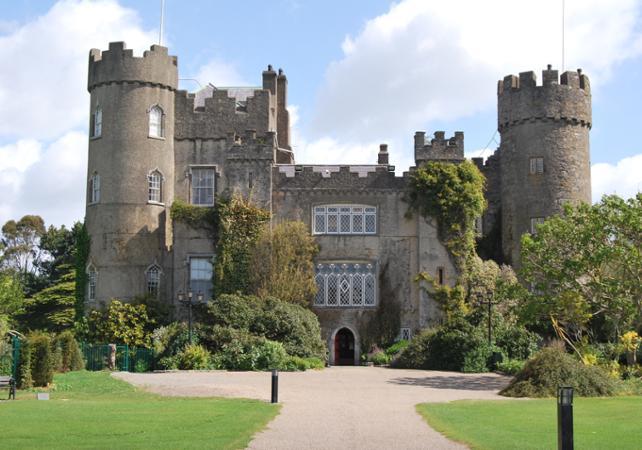 Visite guidéee du Château de Malahide et de la côte Nord de l'Irlande - au départ de Dublin image 6