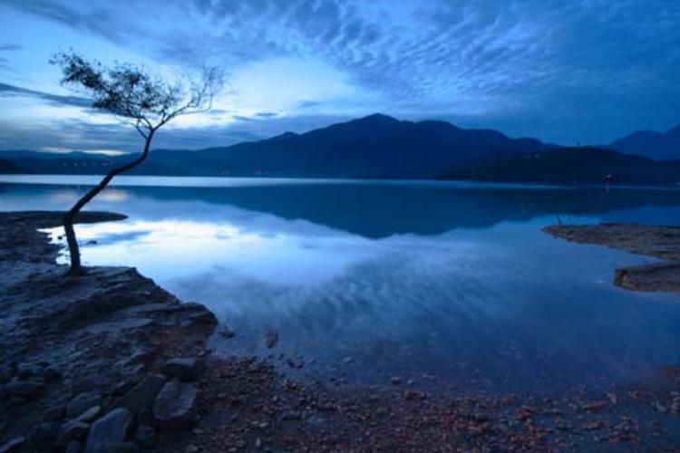 ,Excursión a Lago Sun Moon