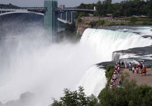 Salir de la ciudad,Excursions,Actividades,Activities,Salidas a la naturaleza,Nature excursions,De 4 días,De 4 días,Excursión a Cataratas del Niágara,Excursion to Niagara Falls,Excursión a Washington DC,Excursion to Washington DC,Excursión a Filadelfia,De 4 días