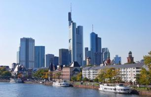 Frankfurt Hop-On Hop-Off Bus Tour – 1-day transport pass