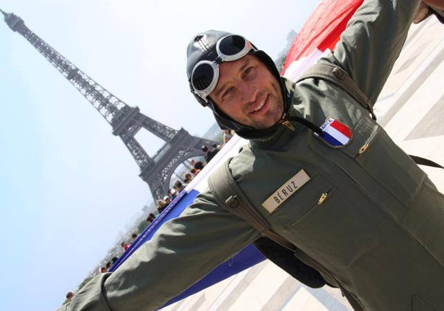 Visite guidée de la Tour Eiffel et de ses coulisses - Avec un comédien - Paris - Ceetiz