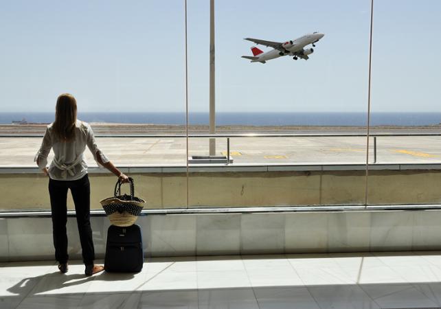 Transfert en véhicule privé vers l'aéroport Lyon-Saint Exupery - Lyon -