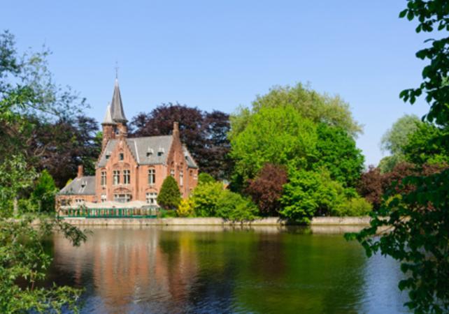 Visite privée de Bruges et ses Musées – déjeuner traditionnel inclus image 2